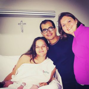 la familia yo accampañó en su parto